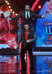 When Salman carried Anil Kapoor on his shoulders